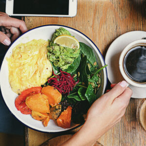 cafe ajuda sistema digestiu